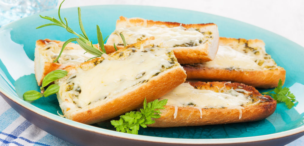 Überbackenes Käse-Weißbrot